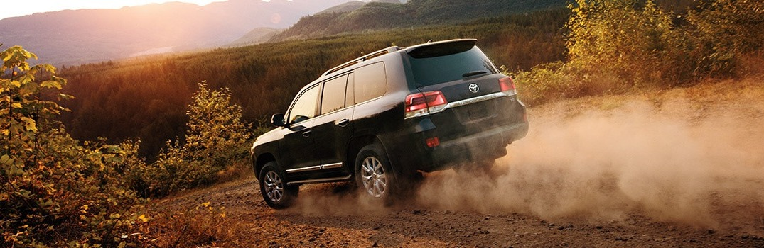 2016 Toyota Land Cruiser Features