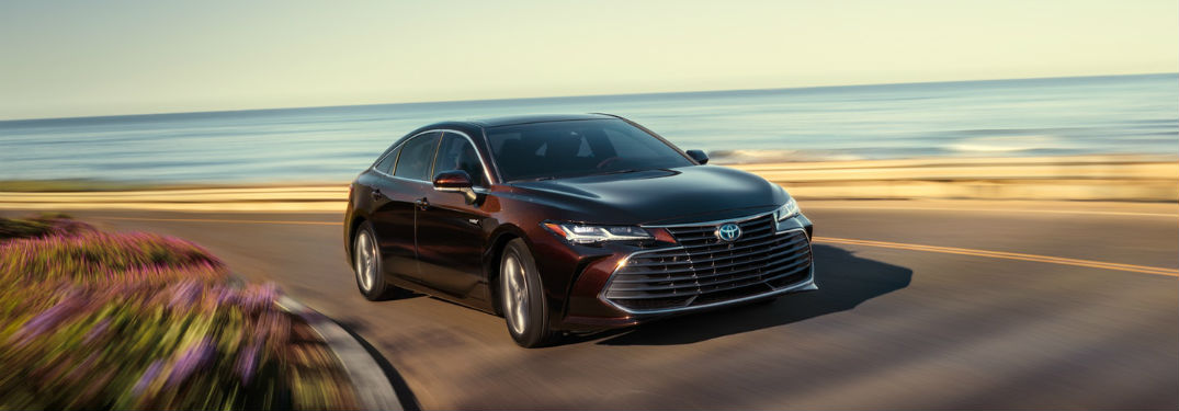 2019 Toyota Avalon exterior front fascia and passenger side
