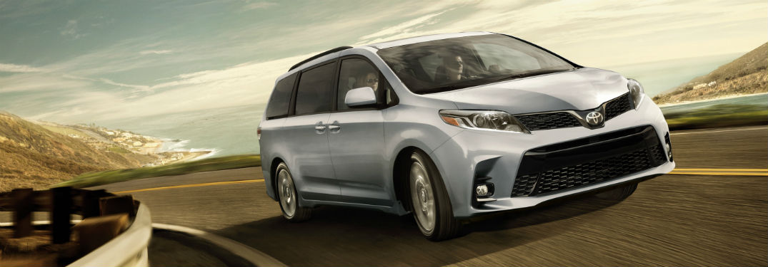 What are the trim options for the 2018 Toyota Sienna?