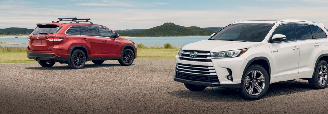 What are the performance specs of the 2019 Highlander Hybrid?