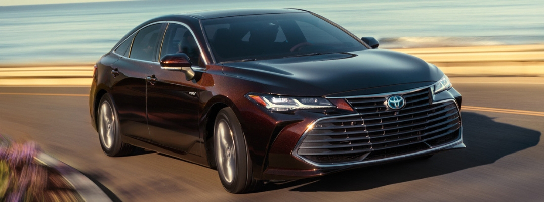 2019 avalon hybrid driving