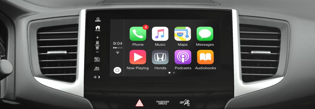 2018 Honda Pilot touchscreen display screen with Apple CarPlay