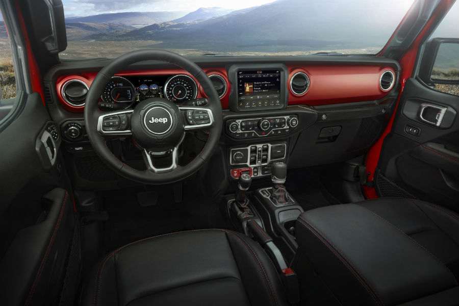 A photo of the dashboard of the 2020 Gladiator.