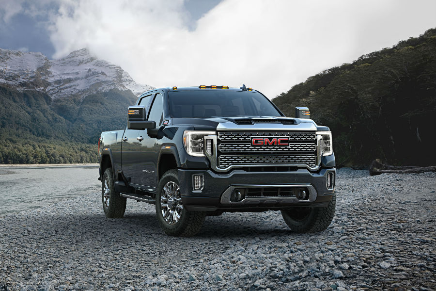 A front end photo of the 2019 GMC Sierra HD.