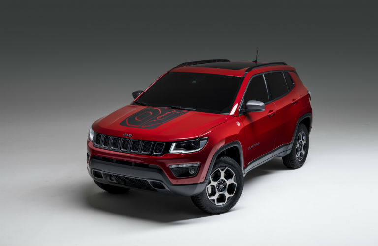 A front left quarter photo of the Jeep Compass PHEV.