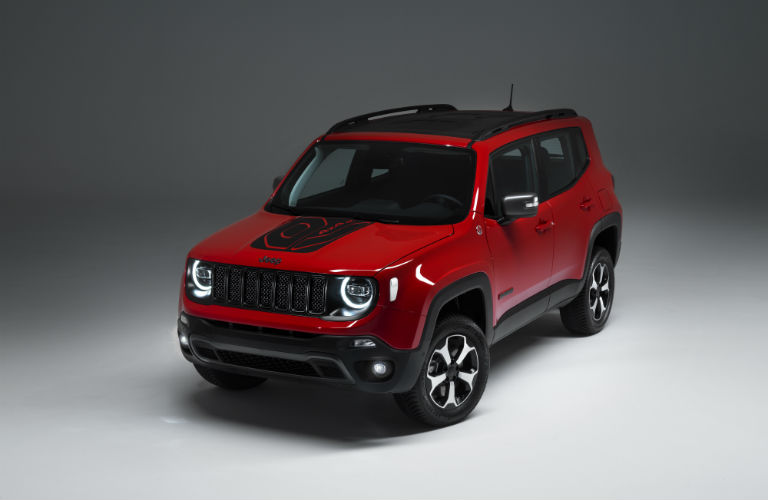 A front left quarter photo of the Jeep Renegade PHEV.