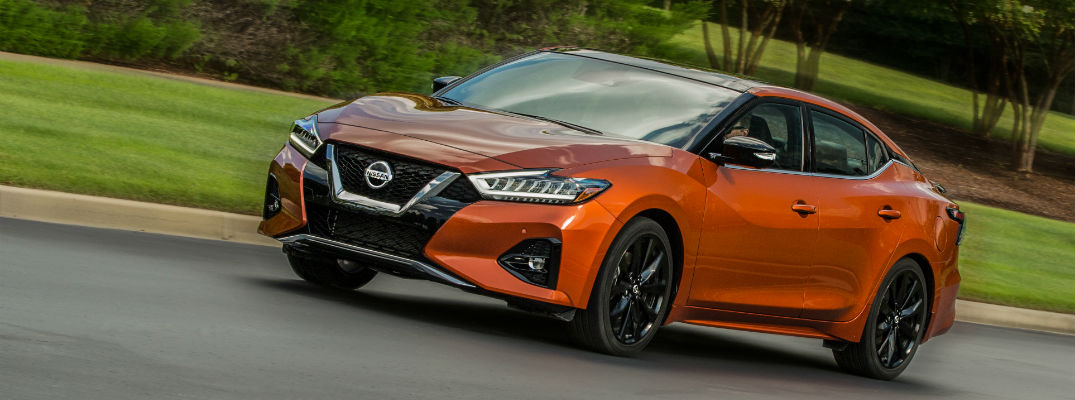 A left quarter profile photo of the 2020 Nissan Maxima.