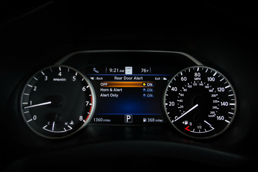 A photo of the Rear Door Alert system notification in the 2020 Nissan Murano.
