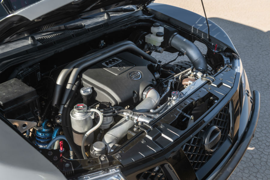 A photo of the upgraded engine used by the Nissan Frontier Desert Runner.