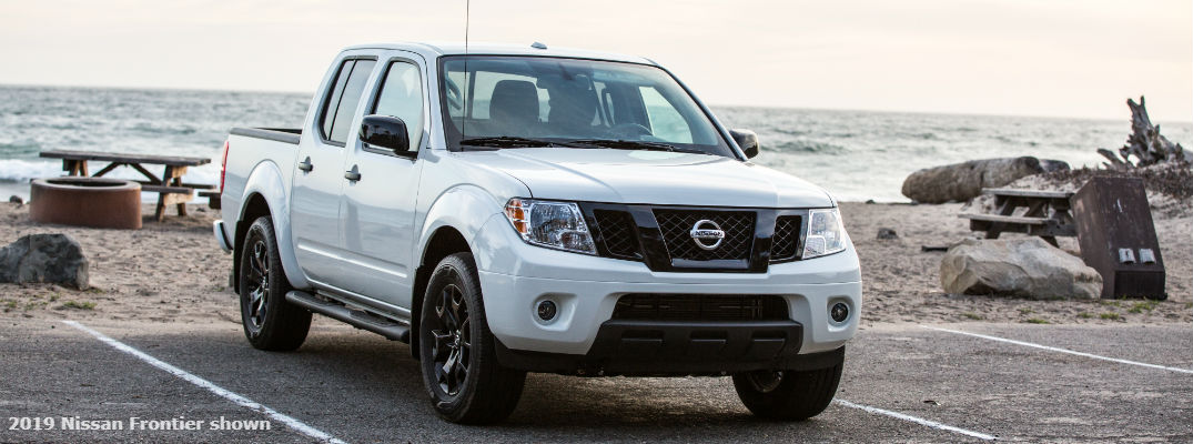 A front-end photo of the 2019 Nissan Frontier.