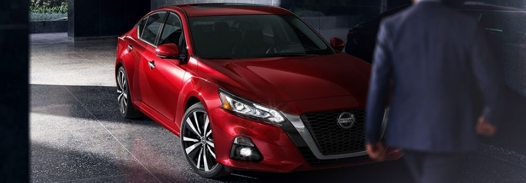 2021 Nissan Altima Red Front and Side View