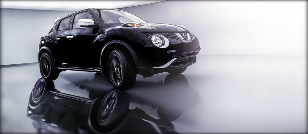 exterior of the nissan juke black pearl