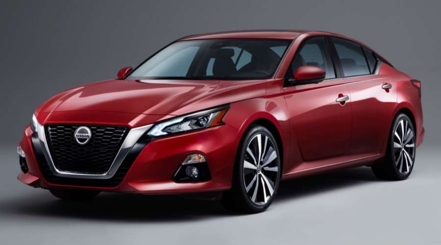Red 2019 Nissan Altima