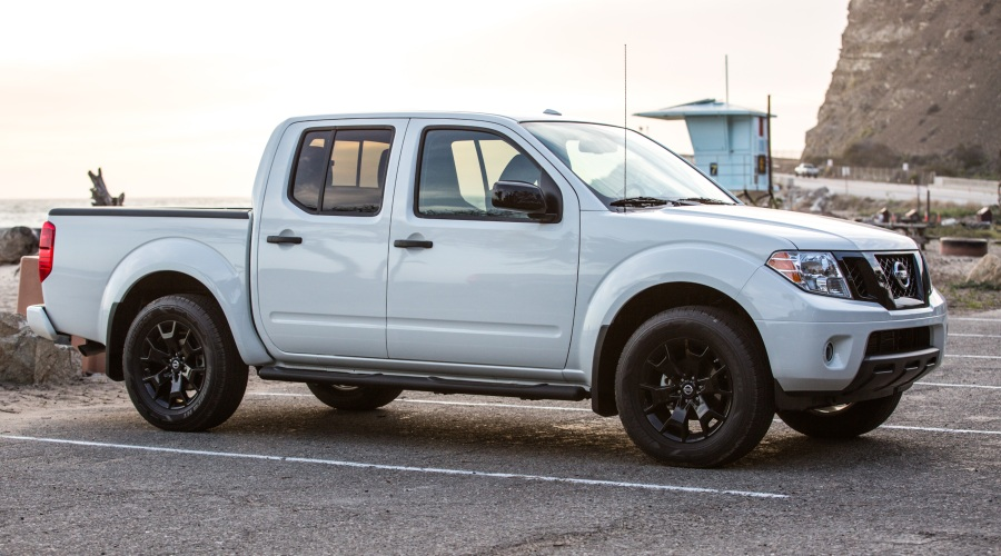 Side view of a 2019 Nissan Frontier