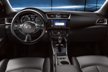 Cockpit view in the 2019 Nissan Sentra