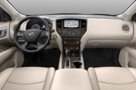 Cockpit view in the 2019 Nissan Pathfinder
