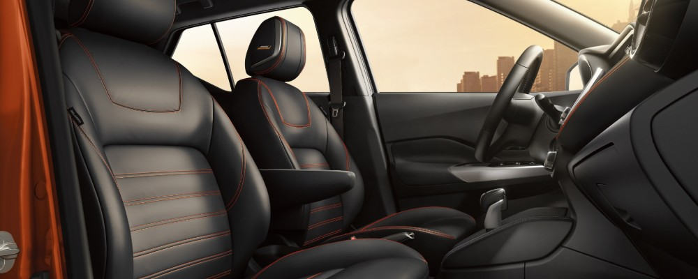 Front two seats of 2019 Nissan Kicks