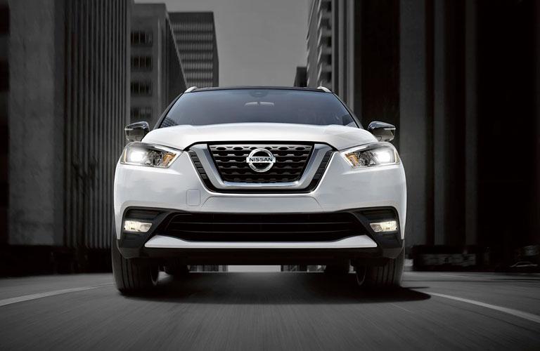 White 2020 Nissan Kicks front view