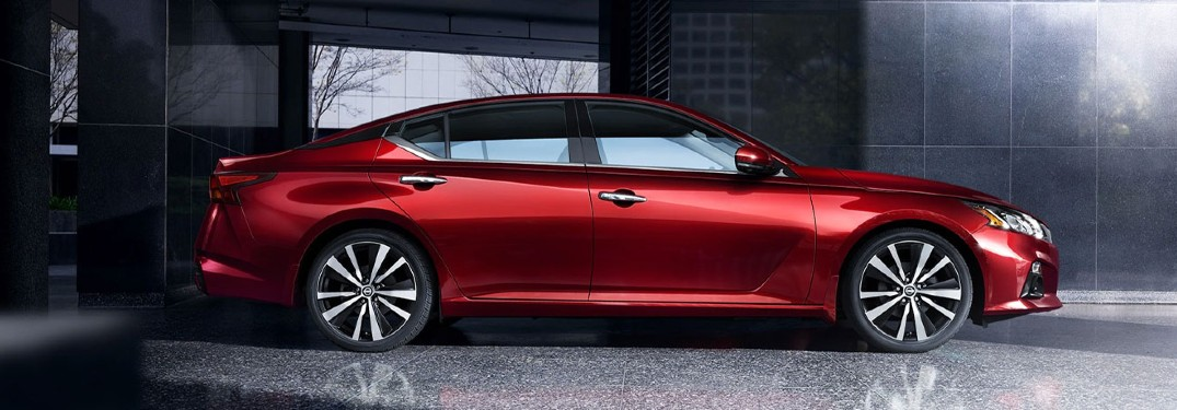 side view of the 2021 Nissan Altima