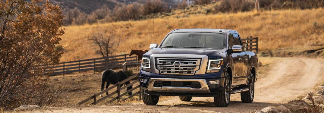 Which color options are offered on the 2021 Nissan TITAN?