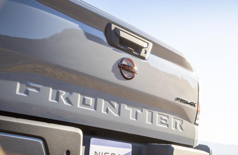 2022 Nissan Frontier badging