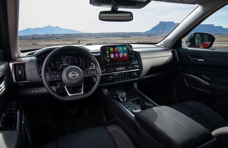 front interior of the 2022 Nissan Pathfinder