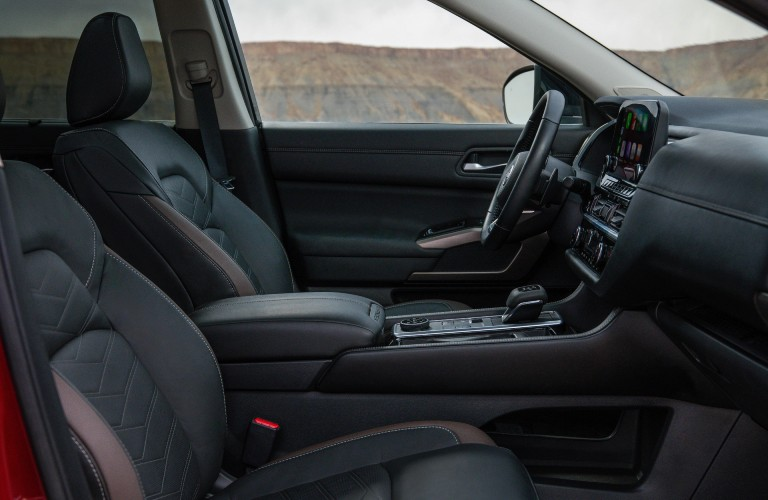 front seats of the 2022 Nissan Pathfinder