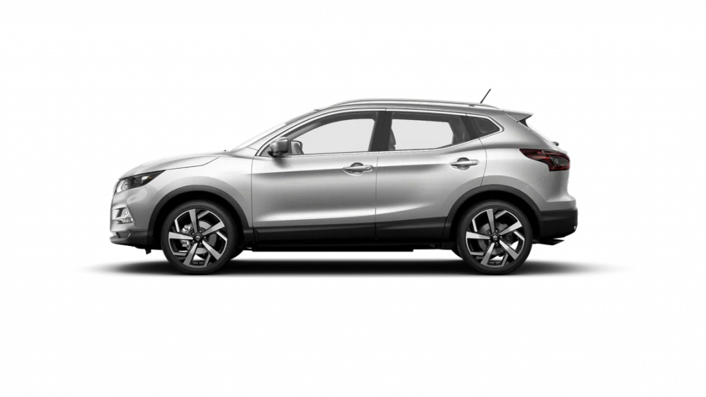 2021 Nissan Rogue Sport in brilliant silver metallic