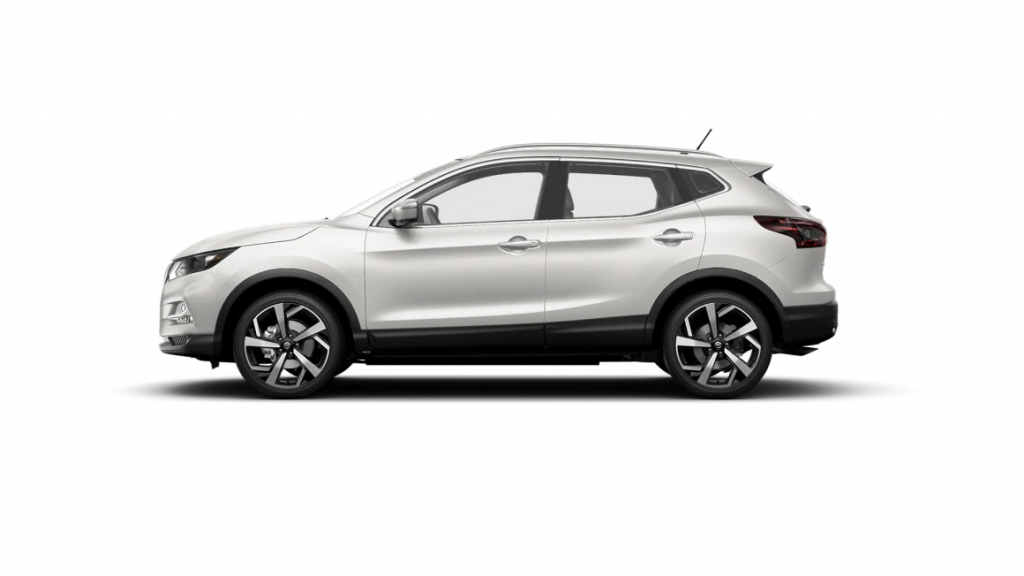 2021 Nissan Rogue Sport in pearl white tricoat