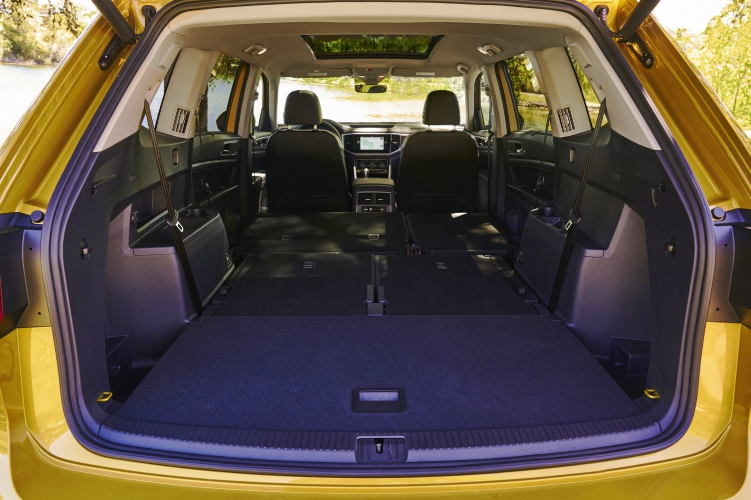 2018 VW Atlas 3 Row Seats Folded