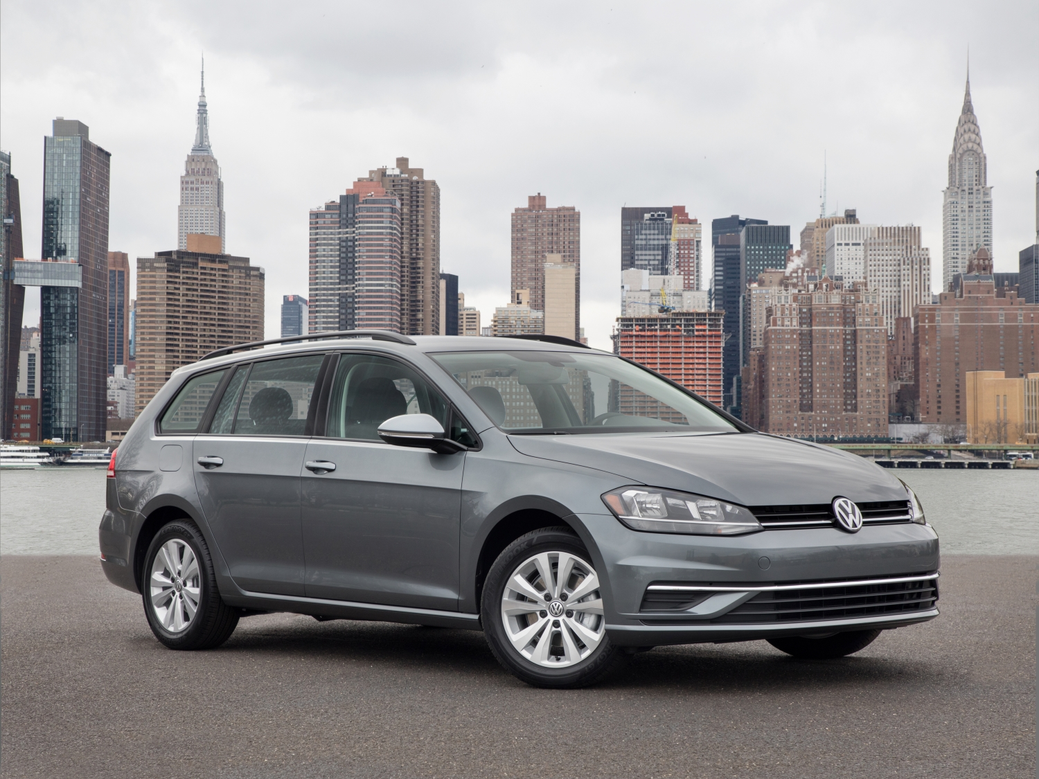 VW Golf SportWagen Named Best Wagon In 2019 AutoWeb Buyer's Choice Awards