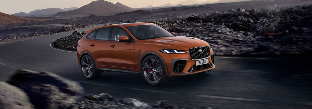 2021 Jaguar F-PACE SVR going down the road