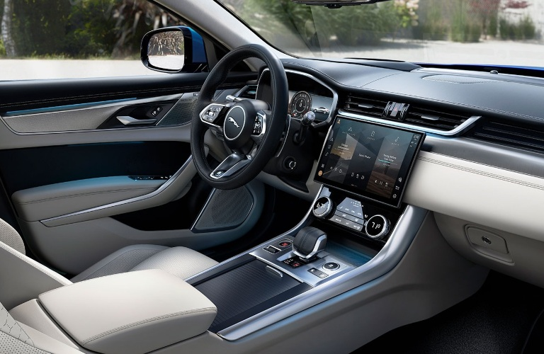2021 Jaguar XF steering wheel and center console