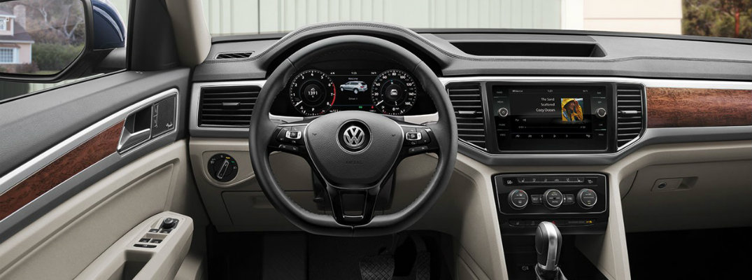 2018 Volkswagen Atlas dashboard, steering wheel, and VW Car-Net