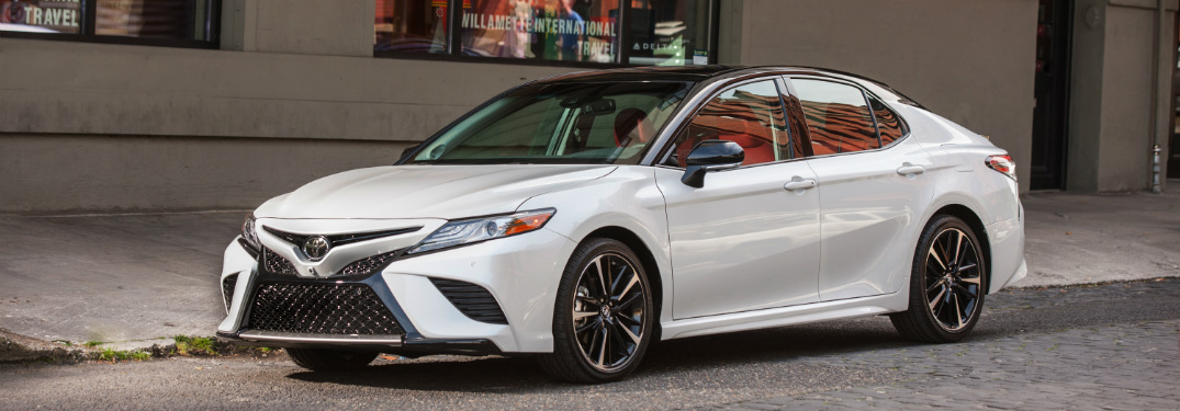 2018 toyota camry white front and side