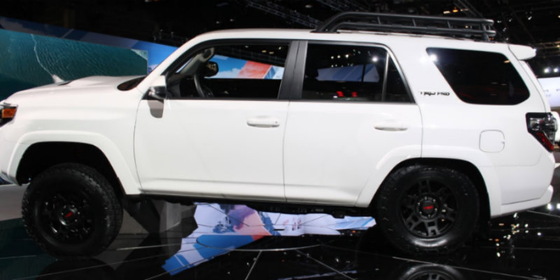 2019 Toyota 4Runner TRD Pro Photo Gallery at 2018 Chicago ...