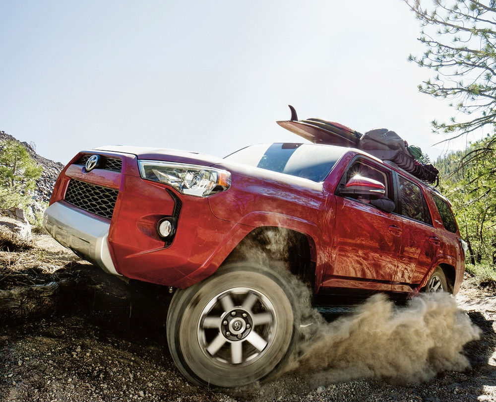 Toyota-4Runner-Off-Road-Dirt-Red