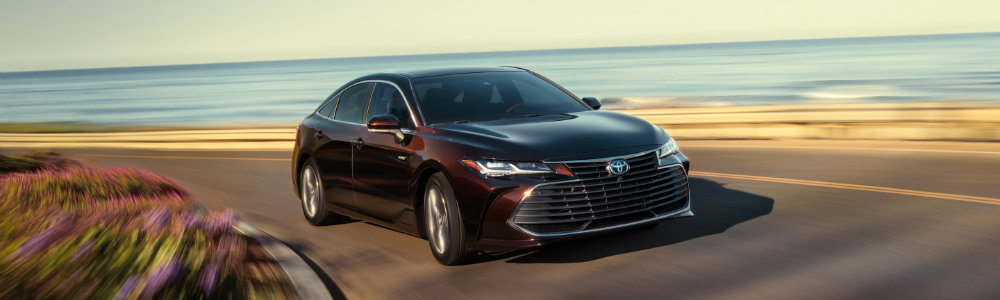 2019 Toyota Avalon Hybrid Driving On Hairpin Winding Road
