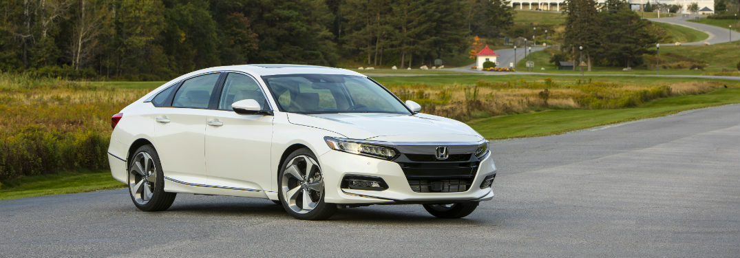 2018 Honda Accord white front view