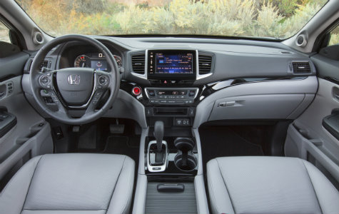 2019 Honda Ridgeline interior steering wheel and dash