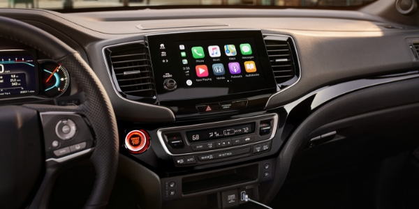 2019 Honda Passport Display Audio Touchscreen with Apple CarPlay