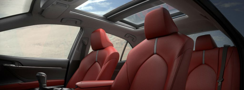 What Are The Differences Between A Sunroof And A Moonroof