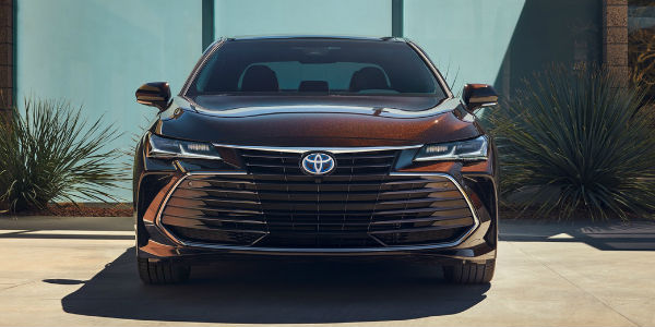 2019 Toyota Avalon Limited Grille and Front End