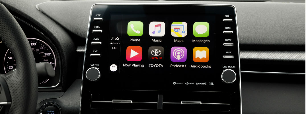 Close Up of 2019 Toyota Avalon Touring Toyota Entune 3.0 Touchscreen with Apple CarPlay