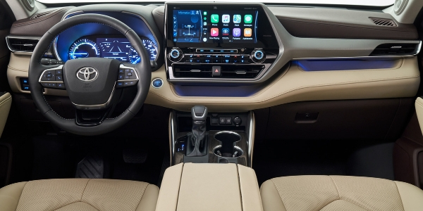 2020 Toyota Highlander Steering Wheel, Dashboard and Touchscreen Display