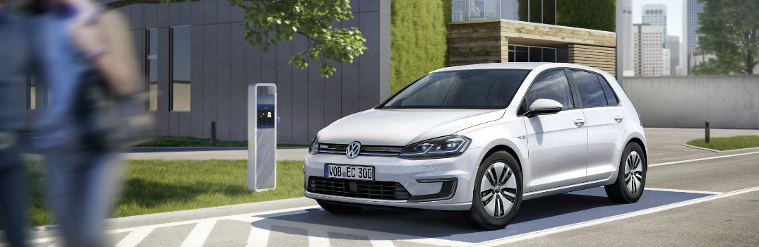 How far can the 2017 VW e-Golf drive on a full charge