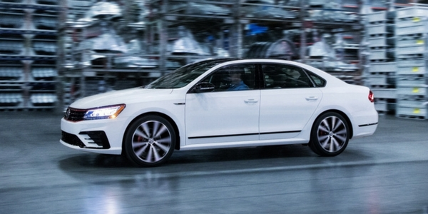 2018-VW-Passat-GT-Side-View-of-Pure-White-Exterior-1_o - Findlay North Volkswagen