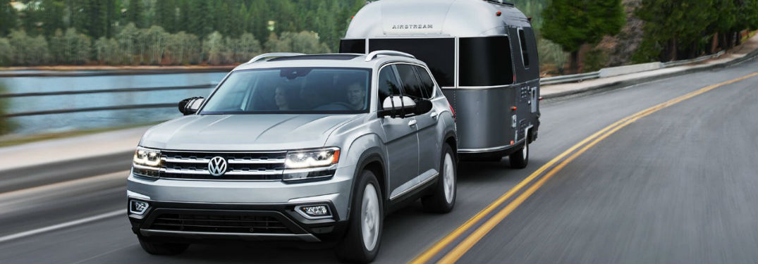 Volkswagen Atlas towing a camper