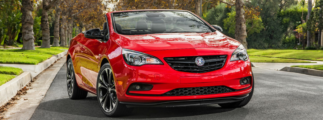 What colors is the 2017 Buick Cascada available in?