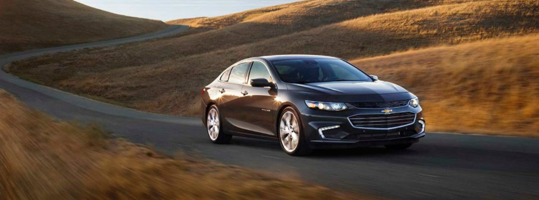 Can you get leather seats in the 2017 Chevrolet Malibu?